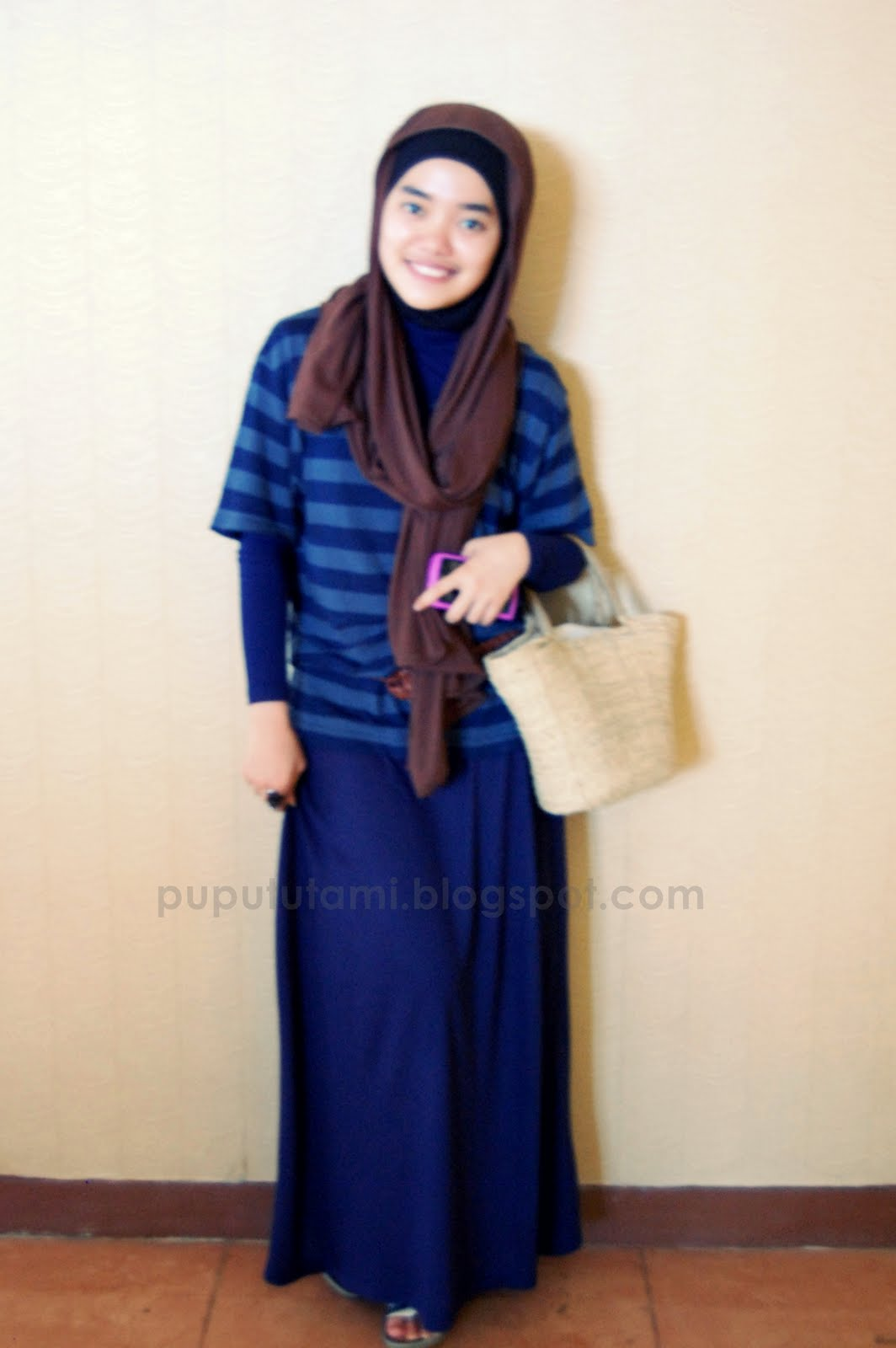 model-baju-muslim-casual-stripped-5.JPG