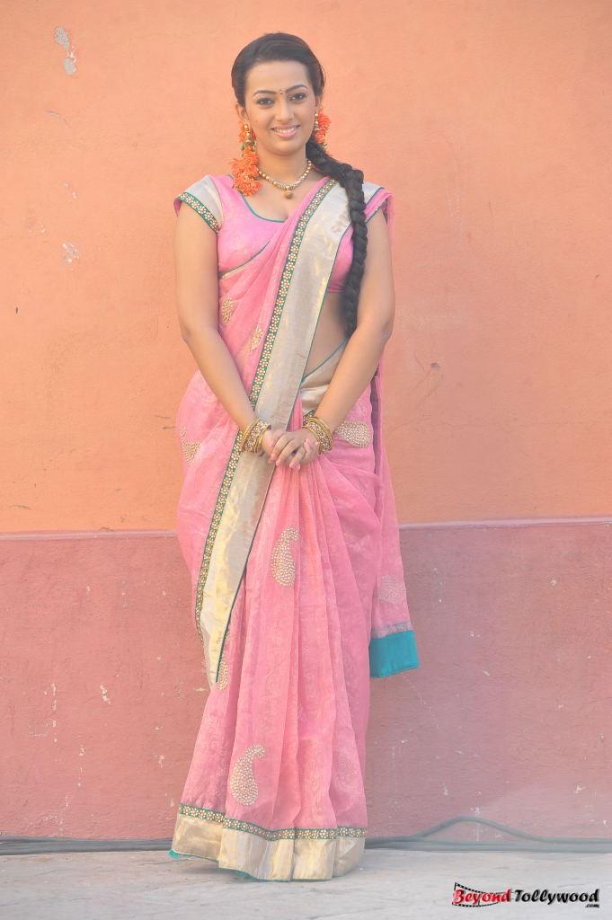 Ester Noronha Hot Thighs Show Pics - HD Latest Tamil ...