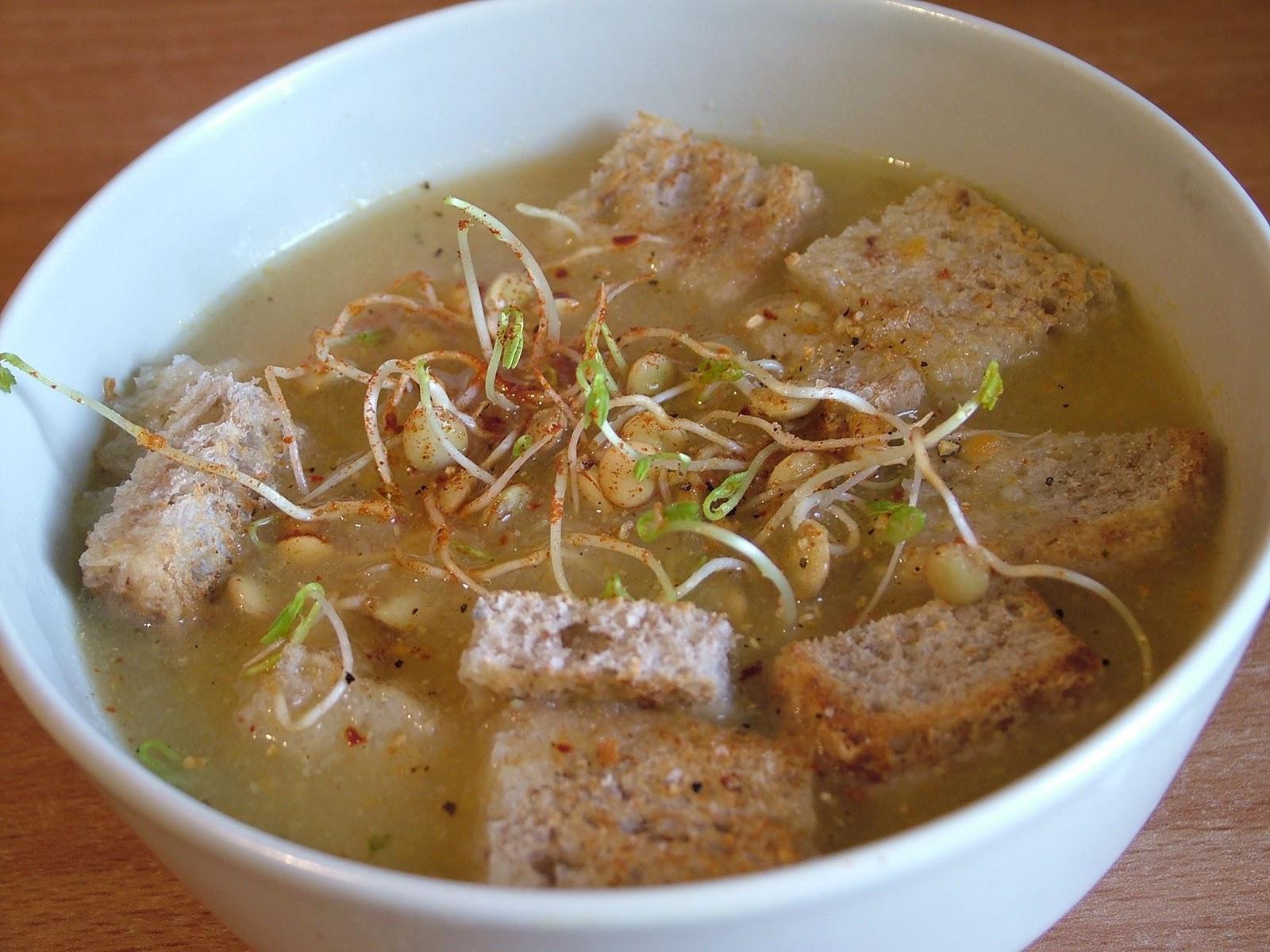 Zupa krem z cieciorki z kiełkami soczewicy