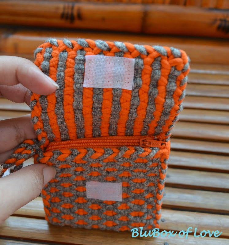 Coin Purse made of t-shirt yarn (open flap)