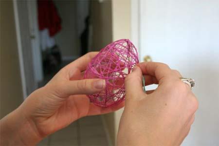 Cách làm quả cầu bằng len trang trí nhà đẹp mắt Lam-qua-cau-bang-len-trang-tri-nha-cua5
