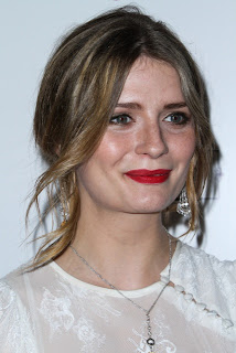 'O.C' star Mischa Barton has split from Sebastian Knapp