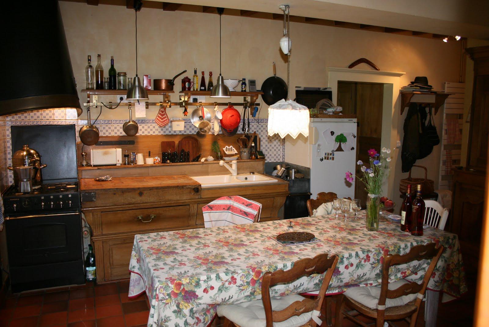 Maison ancienne hermeray 78 la cuisine for Cuisine maison ancienne