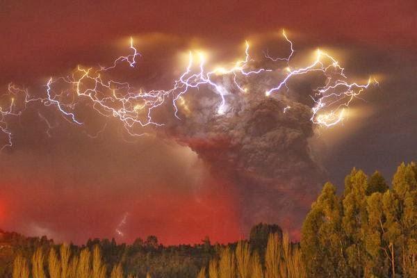 Apotheosis Volcano-lightning-studied-puyehue-cordon-caulle-chile_+Carlos+Gutierrez