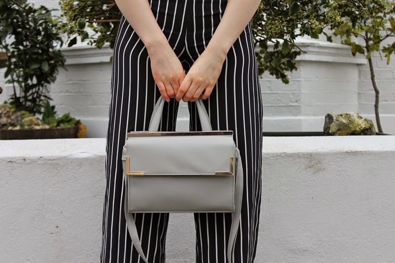 ootd, outfit, fashion, fashion blogger, fblogger, fbloggers, blogger, bloggers, style, trend, flared, flares, stripes, pants, monochrome, primark, h&m, zara, miss selfridge, trend, trendy, spring, classy, what i wore today, wiwt, outfit pictures, outfit of the day