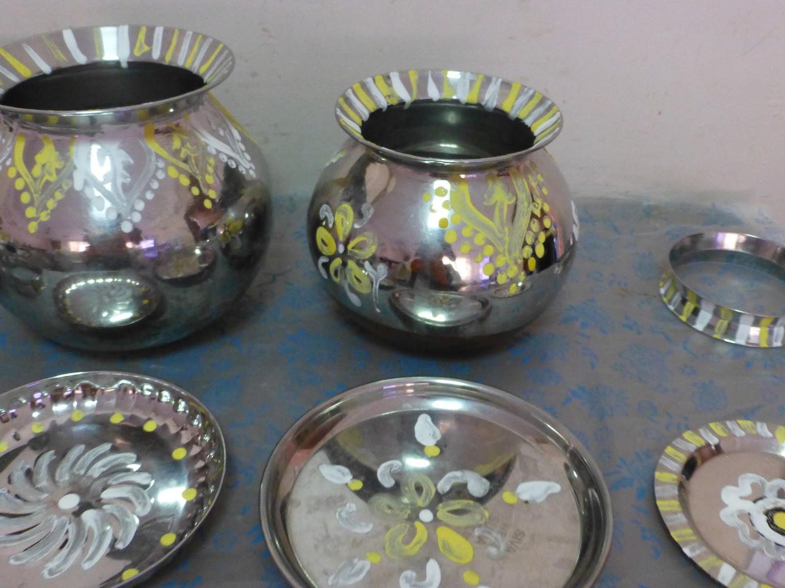 Pongal Pot design/Pongal panai and Villakku Chatti Kolam