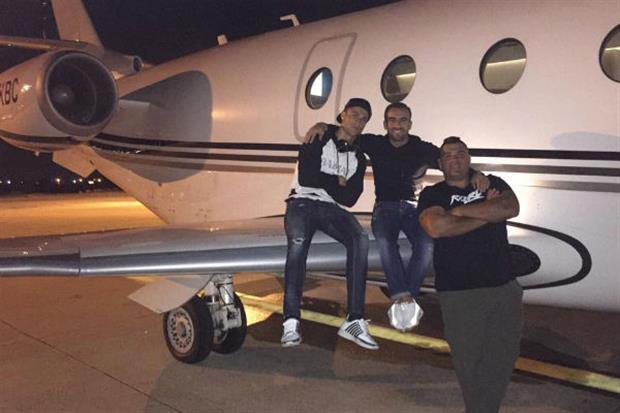 El nuevo avión de Cristiano trae cola