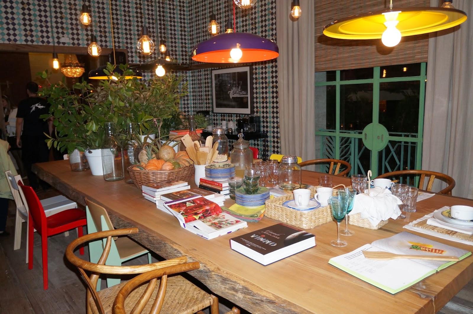 mesa de madeira espaçosa - Casa Cor SP 2014
