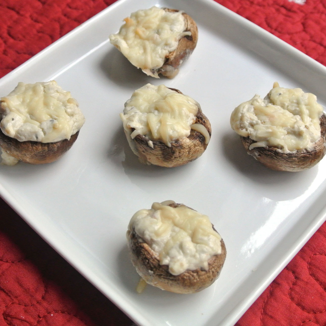 Mom, What's For Dinner?: Gorgonzola stuffed mushrooms
