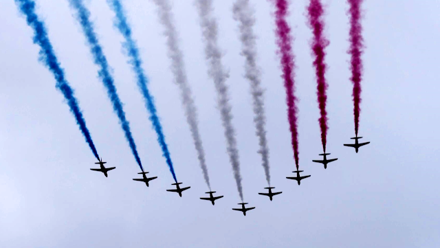 red arrows the queen's birthday parade 2015