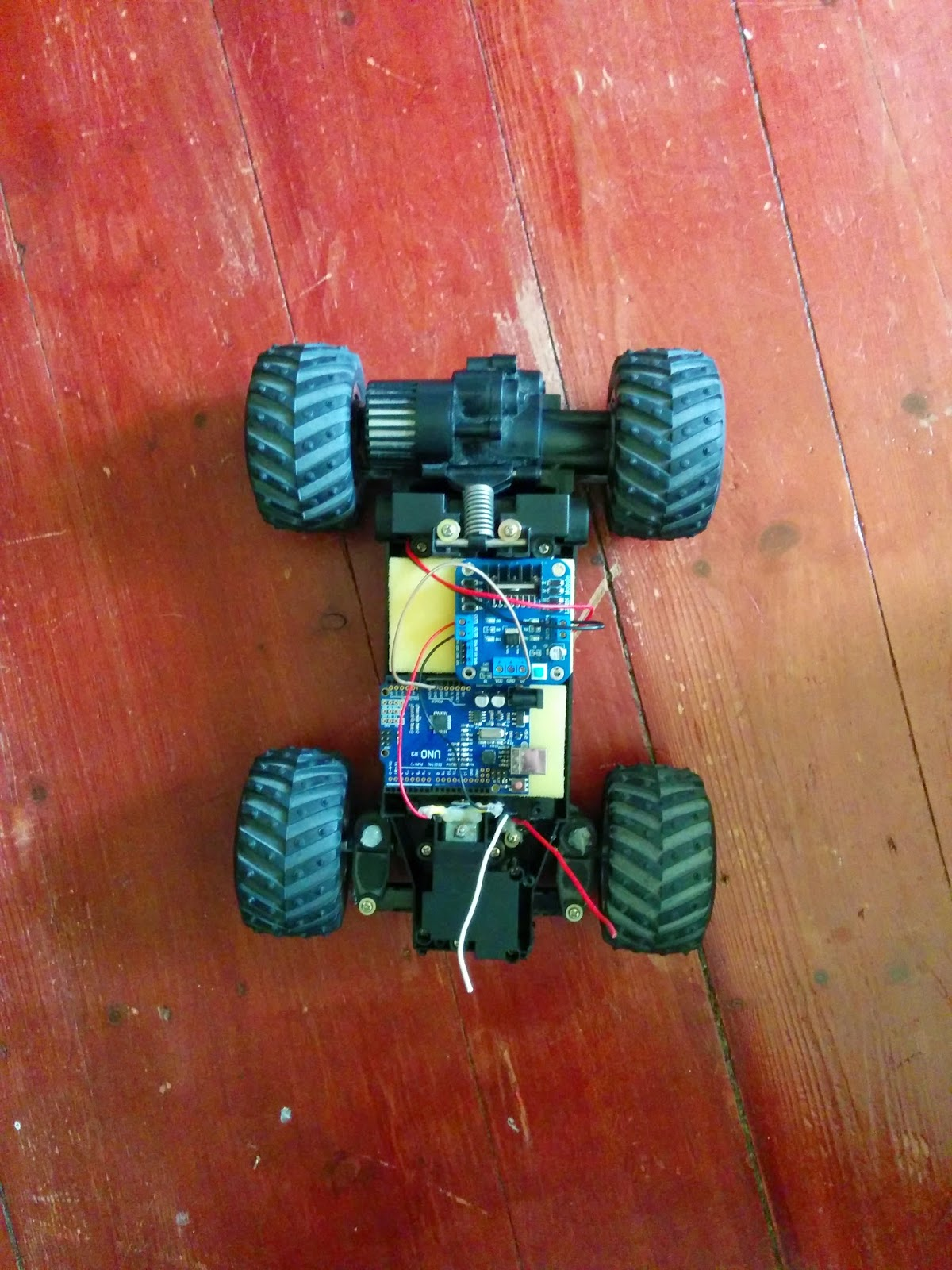 Arduino explorer robot made by recycling a rc car s t