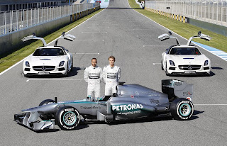 Mercedes-Benz AMG F1 W04 2013 Front Side