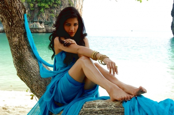shruthi hasan latest hot photo
