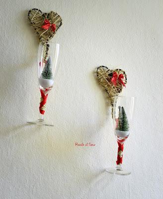 Decorazione da parete riciclando dei bicchieri