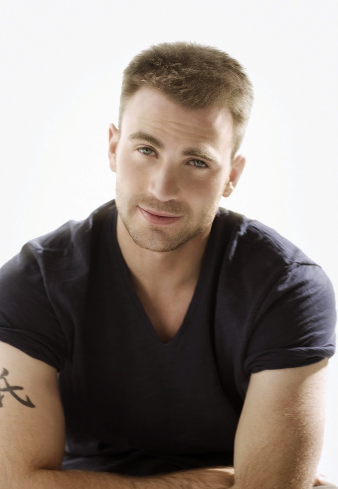 American Actor Chris Evans Latest Images