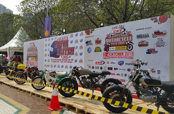 Indonesia Motorcycle Fest 2015 stretcher Message Optimistic