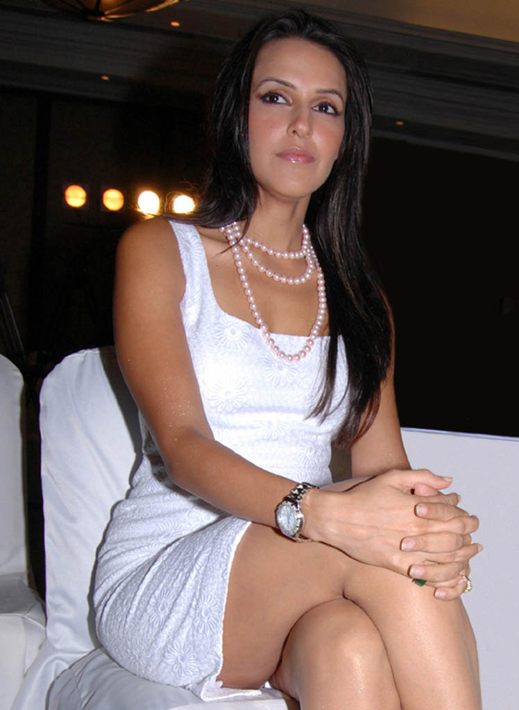 hot indian actress neha dhupia photo 03