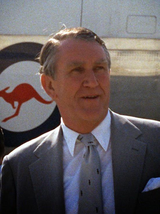 Malcolm Fraser dies