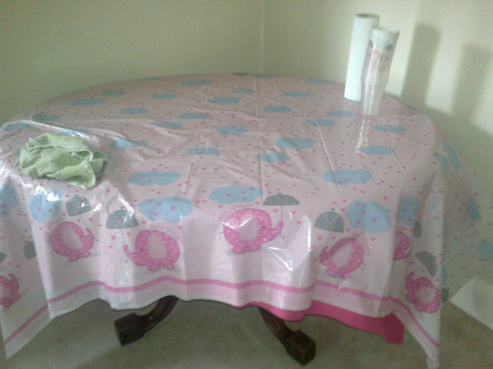 baby shower table cloths