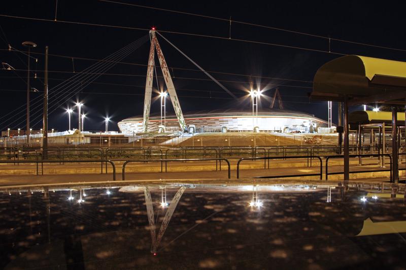 Juventus Arena Esterno Di Notte