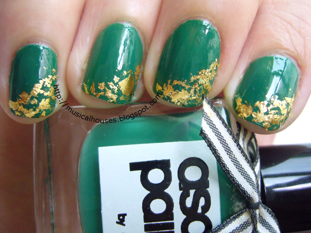 St Patricks Day Gold Leaf Nail Art Of Faces And Fingers