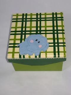 caixa quadriculada elefante
