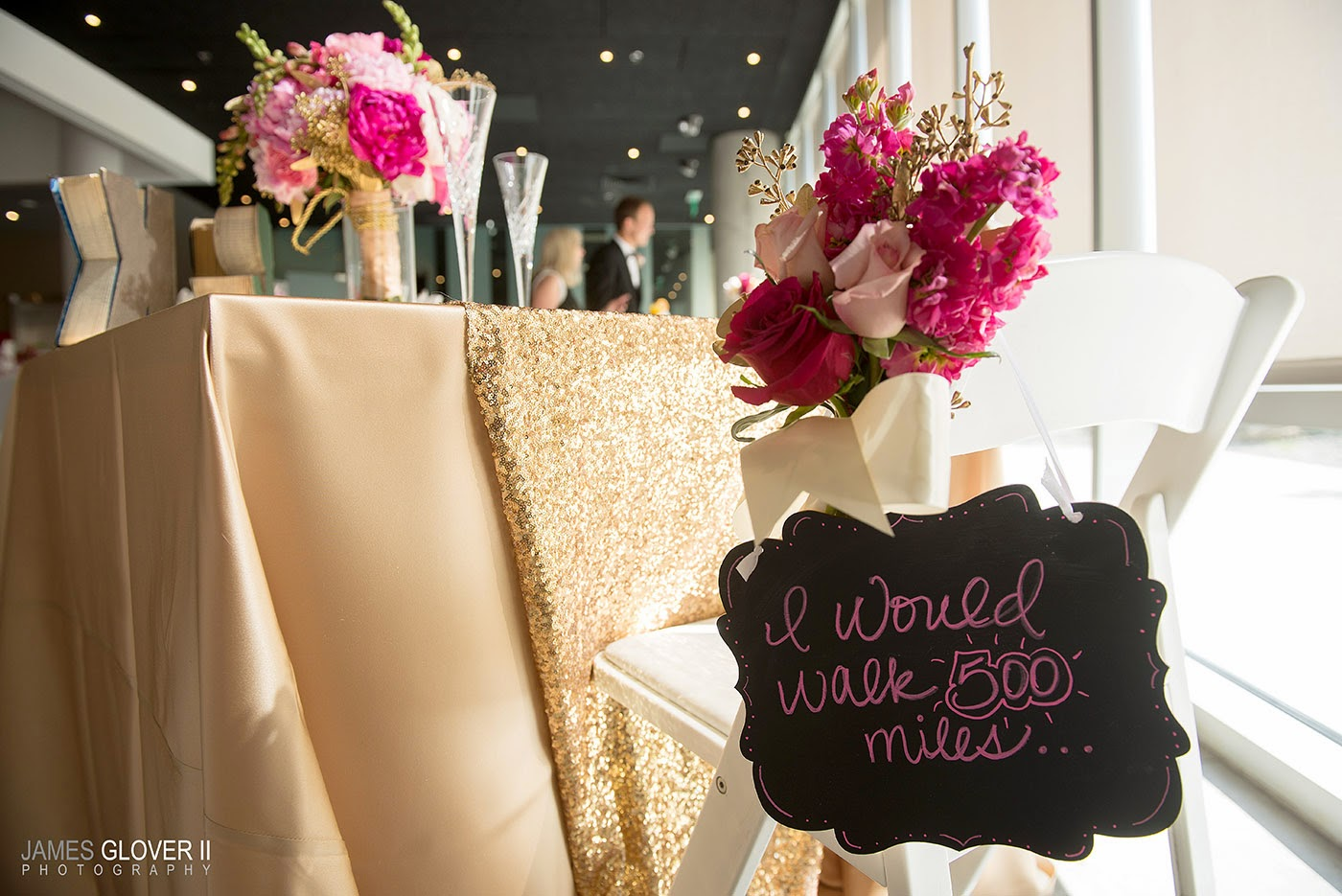 Nevada Museum of Art wedding sweetheart table with flowers from B&B Design // James Glover Photography // Take the Cake Event Planning