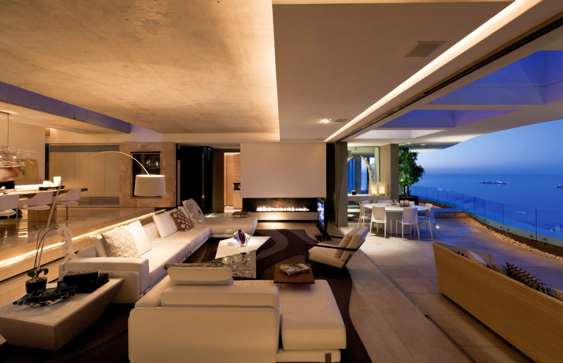 world of architecture amazing mansion house by saota overlooking the city and ocean cape town. Black Bedroom Furniture Sets. Home Design Ideas
