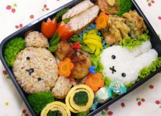 bento Jepang yang lucu berbentuk kelinci