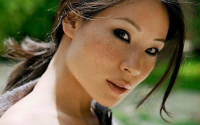 Hollywood Actress Lucy Liu Wallpaper