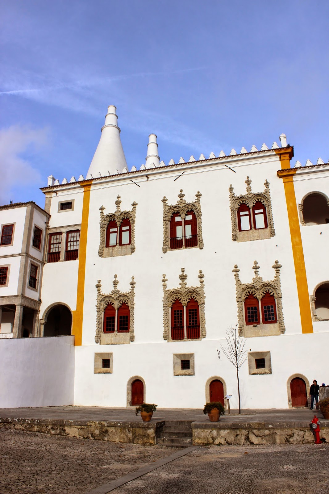 http://www.saucemagnusson.com/2015/03/the-portuguese-national-palace-in-sintra.html