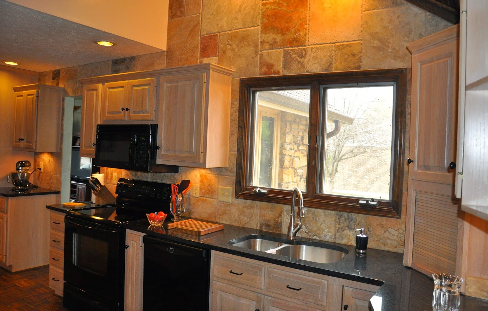 Kitchen Tile Backsplash Ideas with Granite Countertops