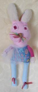 création d'une peluche lapin tissu bleu imprimé polaire rose et blanc pour enfants idéal cadeau de naissance tout l'univers créatif de mimi vermicelle
