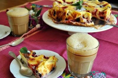 335. Lekkie ciasto greckie z truskawkami i jagodami