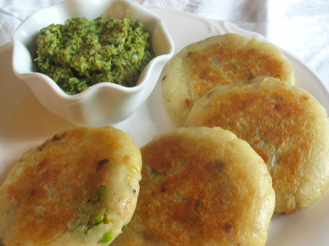 potato patties stuffed with spiced green peas