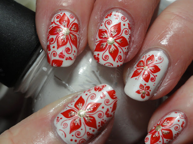 perfect poinsettia nail design