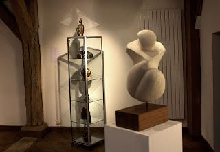 Exposition Espace-Galerie des femmes : petite vitrine