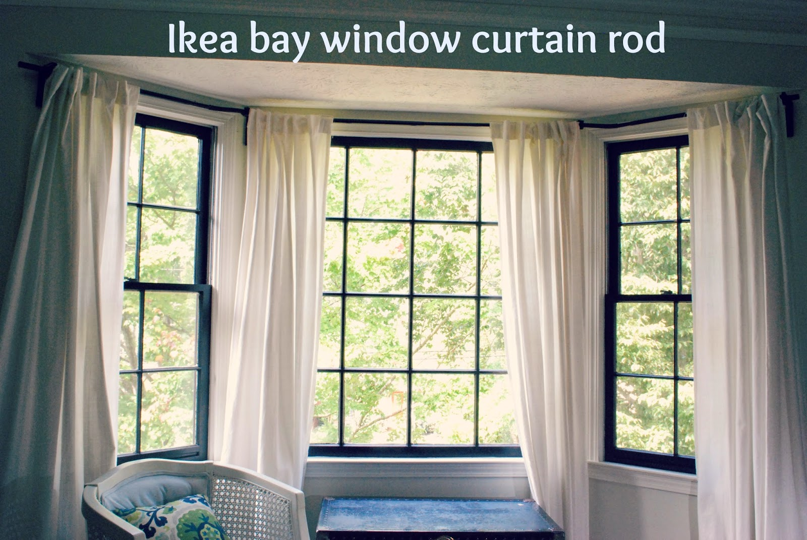 Image of: Blue Yellow Bay Window Curtain Rod How to Install Bay Window Curtain Rods Effectively