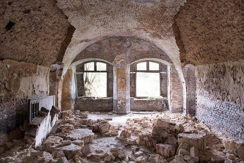 nuncalosabre.Abandoned Places - Bart Synowiec