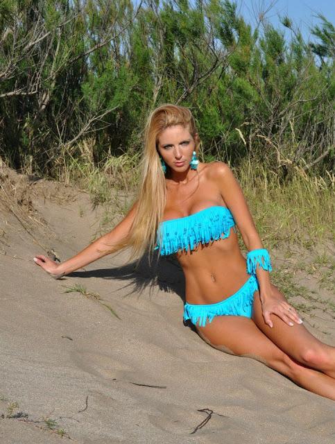 Bikini 2013 con flecos en el escote bando