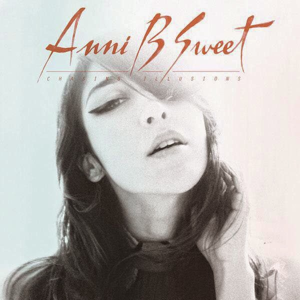"Anni B Sweet publica ""Chasing Illusions"""