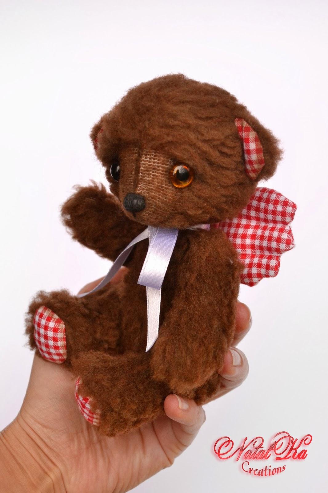Künstler Teddybär handgemacht von natalKa Creations. Artist teddy bear handmade by NatalKa Creations