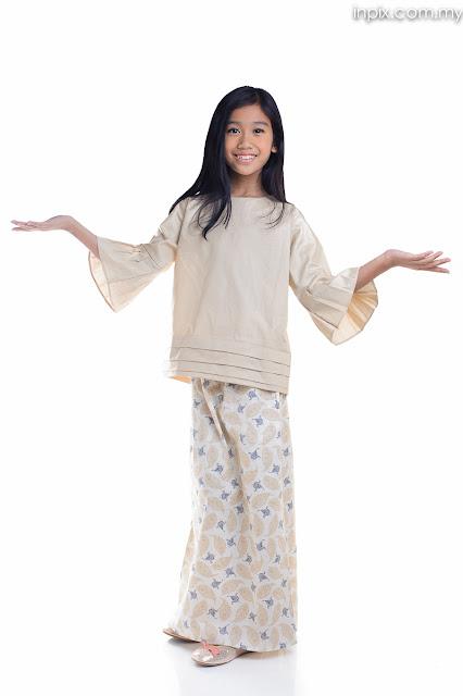 malay fashion model photoshoot white background e-commerce kl selangor