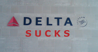 Delta-- 2013 And Still The Worst Airline Since Hezarfen Ahmet Celebi Jumped Off The Galata Tower in 1638