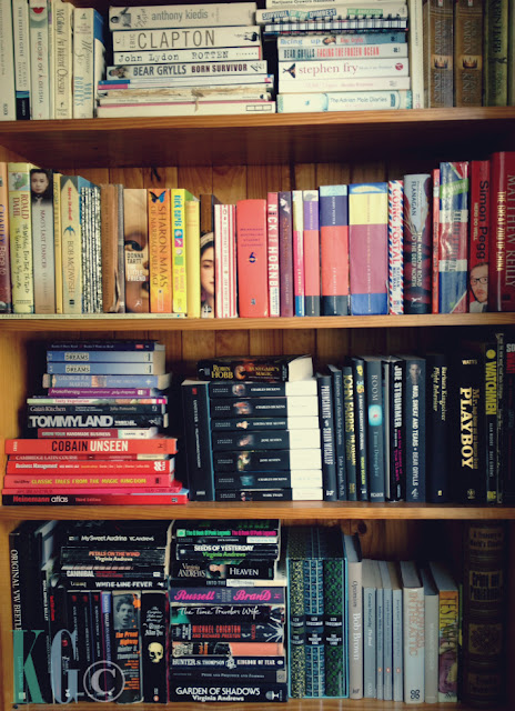 How to Organise Your Bookshelf When You're a Decorator and Book Lover