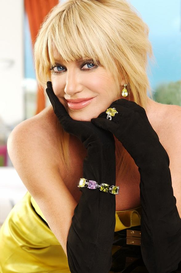 suzanne somers hairstyles : Suzanne Somers Blonde Hairstyles Celebrity Hair Cuts
