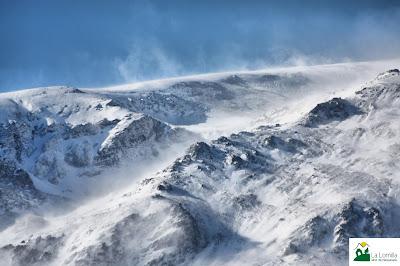 ventisca de nieve en Sierra Nevada vista desde La Lomilla en Jérez del Marquesado