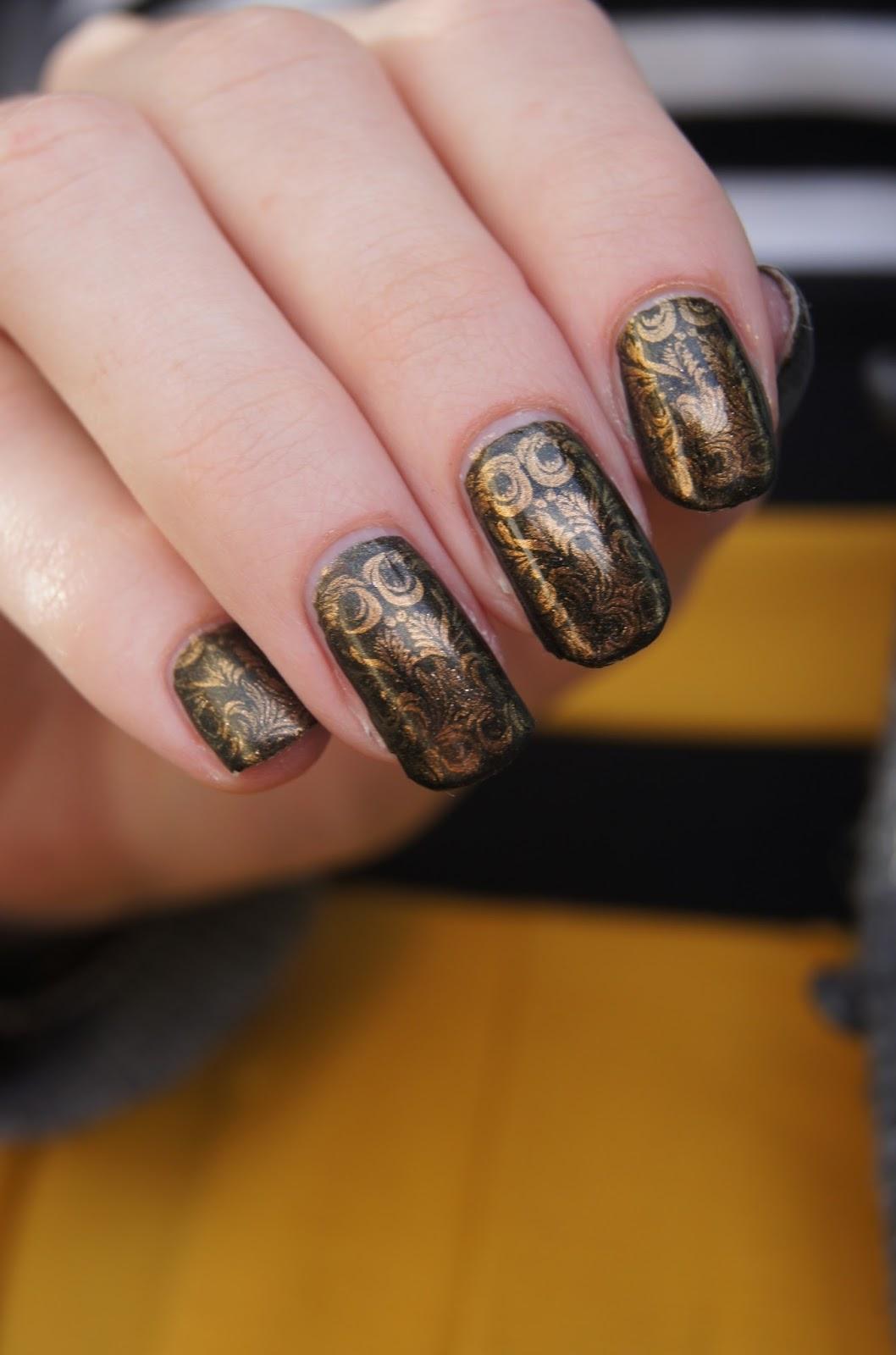nail-art-stamping-noir