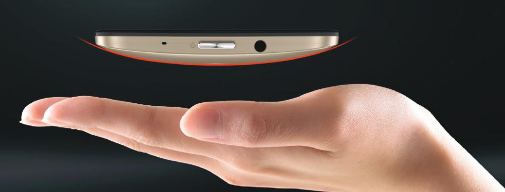 Ergonomic fit of ZenFone 2 Laser phone