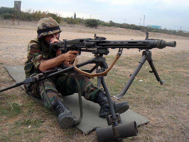 Fuerzas armadas españolas - Página 3 Rheinmetall+MG+3+by+pakistani+defence+%252819%2529